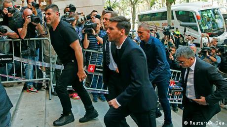 Spanien Barcelona Lionel Messi Ankunft vor Gericht