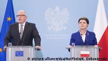 Polen EU-Kommissar Frans Timmermans trifft Polens Premierministerin Beata Szydlo in Warschau