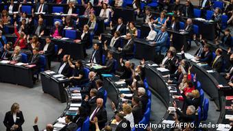 Με ηχηρές απουσίες το γερμανικό κοινοβούλιο ενέκρινε το ψήφισμα που αναγνωρίζει ως γενοκτονία τη σφαγή των Αρμενίων