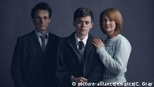 Undated handout photo of (from the left) Jamie Parker, Sam Clemmett and Poppy Miller who will play Harry Potter, Albus Potter and Ginny Potter respectively in the Harry Potter And The Cursed Child stage play. ... Harry Potter And The Cursed Child ... 31-05-2016 ... London ... UK ... Photo credit should read: Charlie Gray/Unique Reference No. 26481914 Copyright: picture-alliance/empics/C. Gray