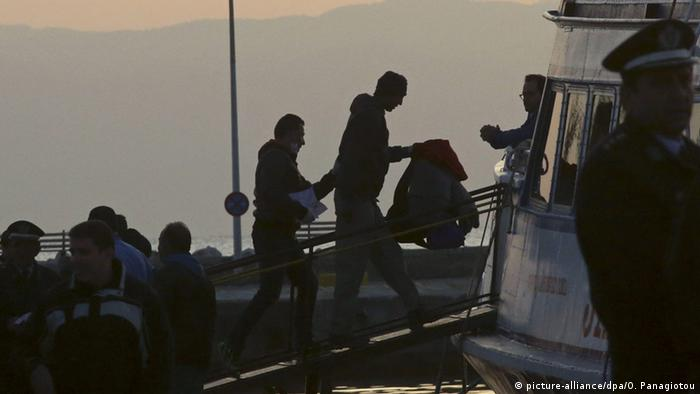 Migrant repatriations from Greece (picture-alliance/dpa/O. Panagiotou)