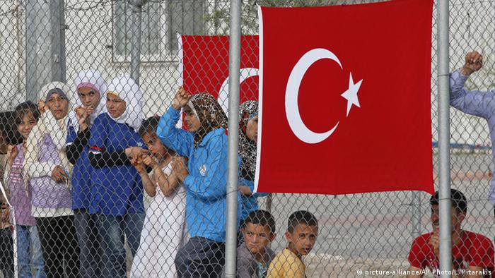Flüchtlinge in die Türkei (picture-alliance/AP Photo/L. Pitarakis)