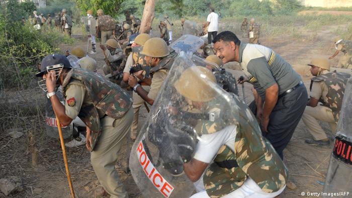 Indien Mathura Zusammenstöße Sektenmitglieder Poilzei