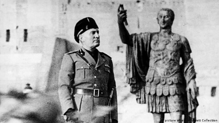 Benito Mussolini em 1945