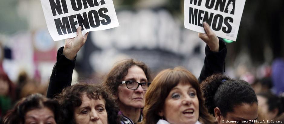 """A Ni Una Menos (""""Nem uma a menos"""") é uma da ONGs que convocou a greve nacional"""