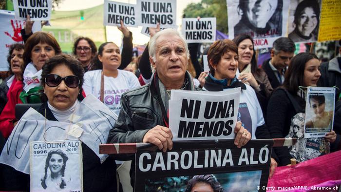 Argentinien Protest gegen häusliche Gewalt (Getty Images/AFP/E. Abramovich)