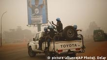 Afrika UN Kräfte in Bangui Wahlen (picture-alliance/AP Photo/J. Delay)