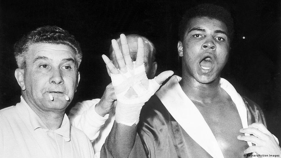 Ali vor dem Kampf gegen Henry Cooper in London (1963)