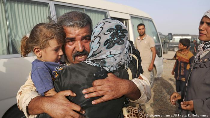 Irak Falludscha Zivilisten versuchen die Stadt zu verlassen