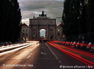 El arco de la victoria muniqués preside la ciudad.