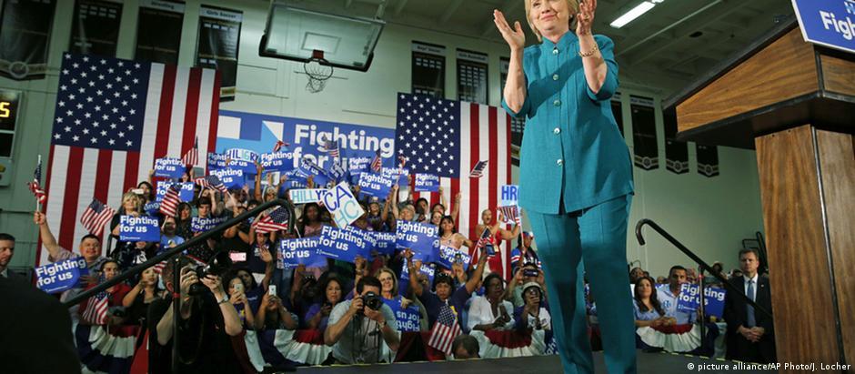 Hillary Clinton comemorou cedo a vitória do fim de semana