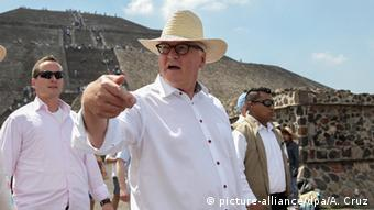Steinmeier visiting Teotihuacan, an ancient site near Mexico City