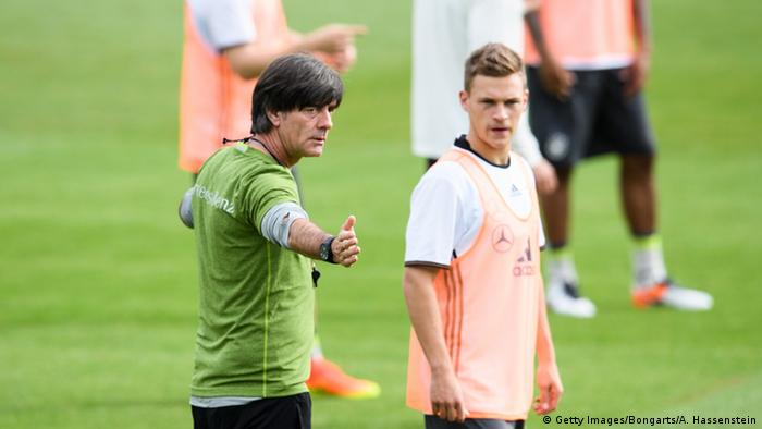 Joachim Löw and Joshua Kimmich (Getty Images/Bongarts/A. Hassenstein)