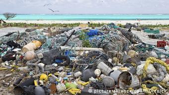 Plastikmüll am Strand Hawaii