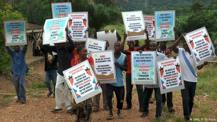 Nigeria Proteste gegen Straßenbau in Ekuri (Foto: J.P. Scholz/A. Kriesch)