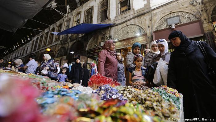 إفطارات الدراويش تطغى على رمضان دمشق مع الغلاء ثقافة ومجتمع قضايا مجتمعية من عمق ألمانيا والعالم العربي Dw 26 06 2016