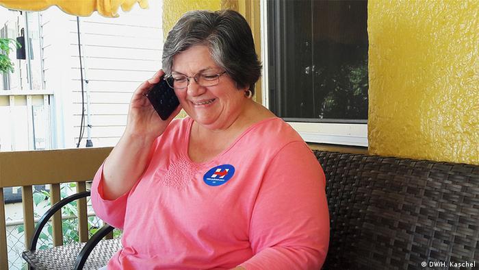 Clinton-Wählerin Irene Esposito (Foto: H. Kaschel/DW)