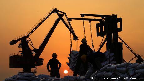 ΔΝΤ: Προειδοποιήσεις στην Ευρωζώνη-βολές στη Γερμανία