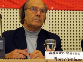 El Nobel de la Paz, Adolfo Pérez Esquivel, en Berlín.
