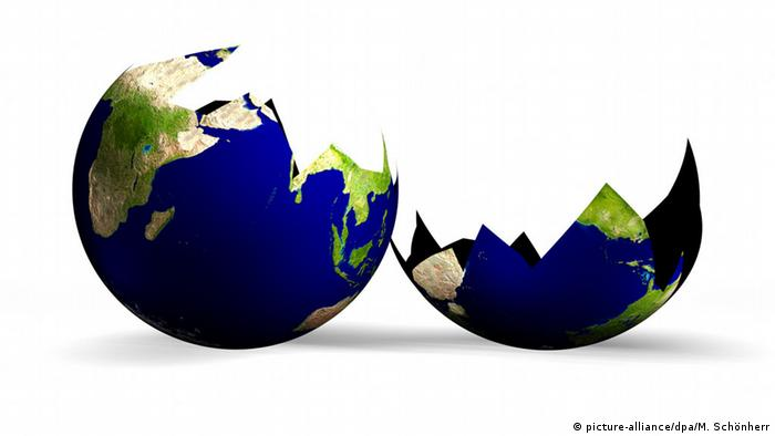 Symbolbild Depression Weltschmerz zerbrochene Welt (picture-alliance/dpa/M. Schönherr)