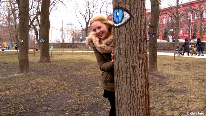 Одна з героїнь фільму - Анастасія - переселенка з Криму. Дівчина живе у Києві та захоплюється малюванням