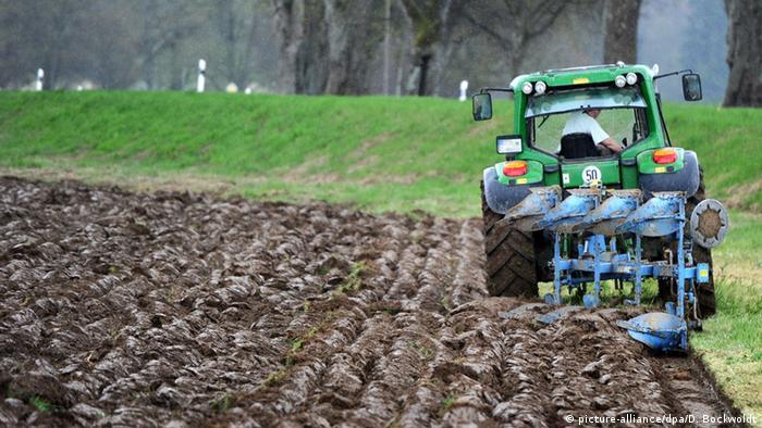 Deutschland Bauern Pflügen