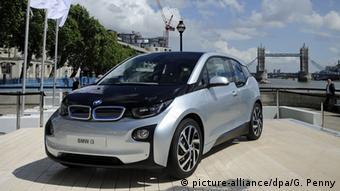 Электромобиль BMW i3 в Лондоне