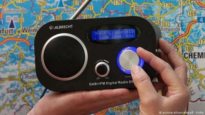 Notícias do rádio são importantes em situações de emergência