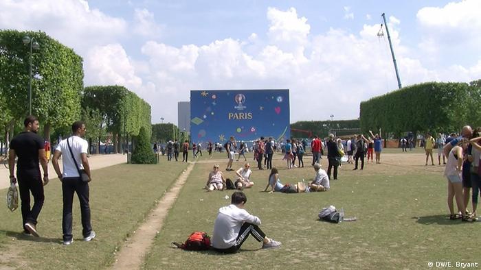 Euro 2016 fans gather under the Eiffel Tower