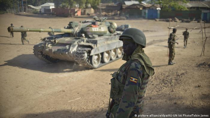 Somalia Soldaten der Armee - AMISOM Friedensmission (picture-alliance/dpa/AU-UN Ist Photo/Tobin Jones)