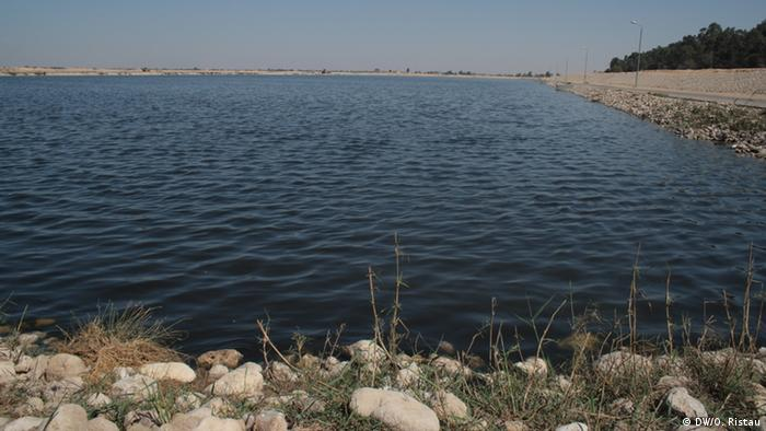 The town of Ismailia's basin for treated sewage effluent © DW/O.Ristau
