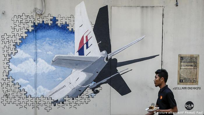 Malaysia Graffiti MH370 (picture-alliance/AP Photo/J. Paul)
