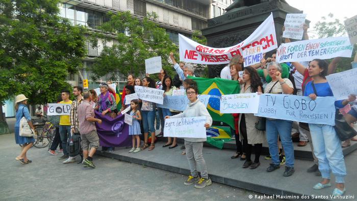 Em Frankfurt, protesto contou com tradução simultânea do premiado tradutor alemão Michael Kegler