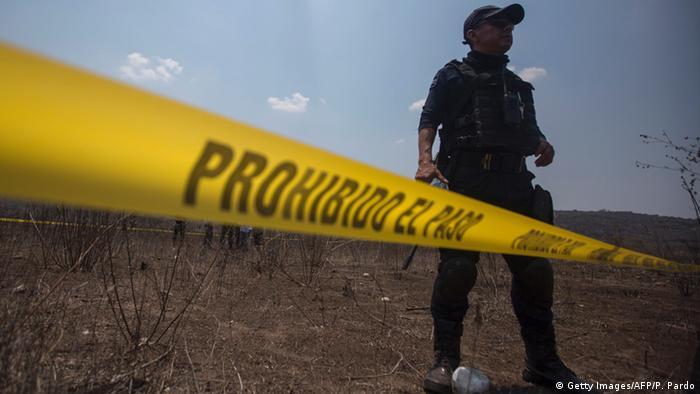 Mexiko Polizeiabsperrung bei El Mirador - Leichen gefunden (Getty Images/AFP/P. Pardo)