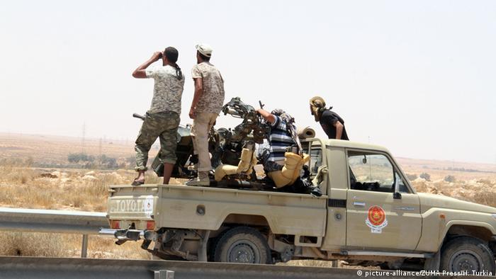 قوات حكومة الوفاق تخوض معارك مع داعش في سرت. أرشيف