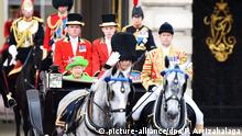 Großbritannien London Queen Trooping the Colour Elizabeth und Prince Philip