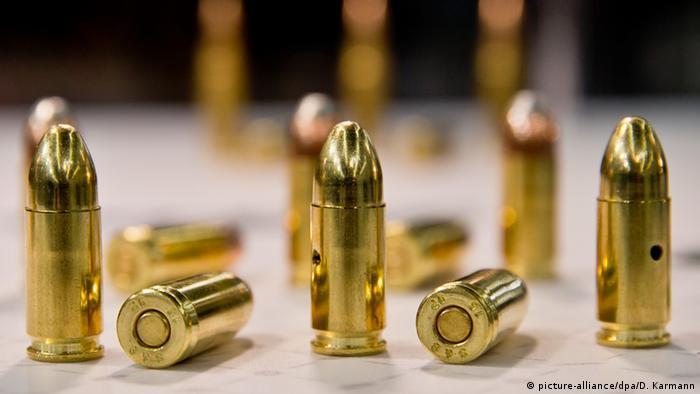 Deutschland Bayern Jagt- und Sportwaffenmesse Neun-Millimeter-Patronen
