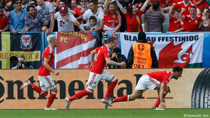 UEFA EURO 2016 Wales gegen Slowakei Waliser beim Jubel