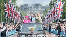 London The Mall Queen Geburtstag Queen und Prince Philip
