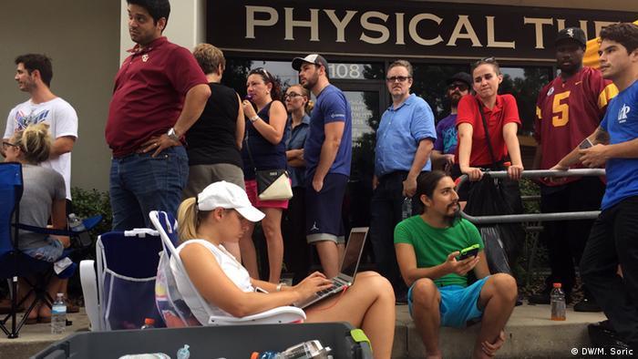 USA Schießerei in Orlando - Blutspende Warteschlange