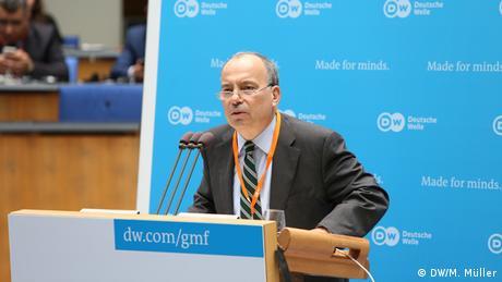 Bonn Global Media Forum GMF 02   Award Ceremony Sedat Ergin (DW/M. Müller)