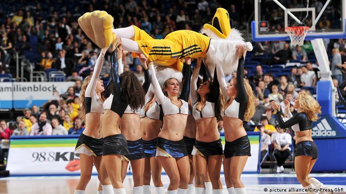 Альбатрос - символ баскетбольной команды из Берлина