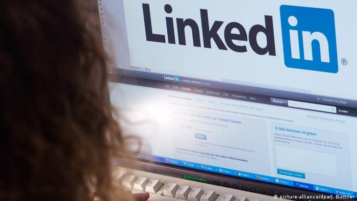 Screen shows the log-in page for LinkedIn (picture-alliance/dpa/J. Büttner)