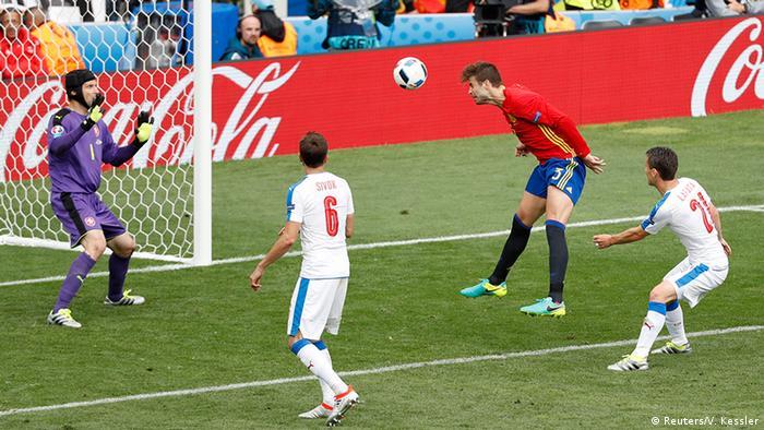 EURO 2016 Spanien vs Tschechien Tor Pique