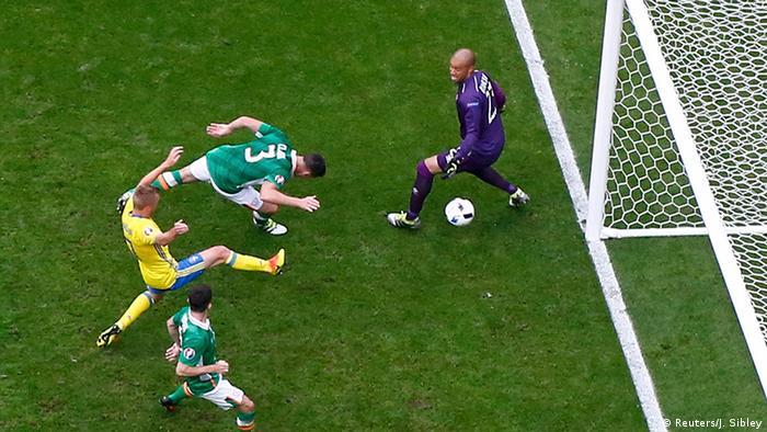 EURO 2016 Irland vs Schweden Eigentor Ciaran Clark