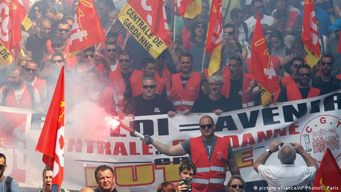 Frankreich Marseille nationaler Streik Demonstration (picture-alliance/AP Photo/C. Paris)