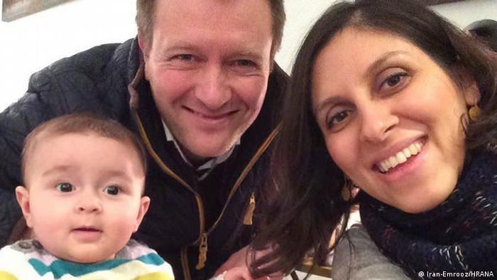 نازنین زاغری رتکیلف در کنار همسر و فرزندش