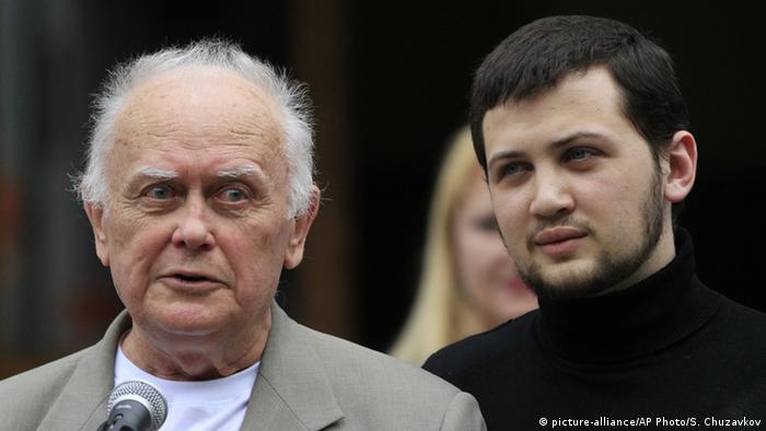 Афанасьев: Не снимайте санкции с России