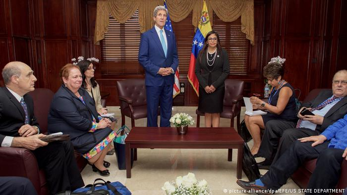Dominikanische Republik John Kerry und Delcy Rodriguez in Santo Domingo
