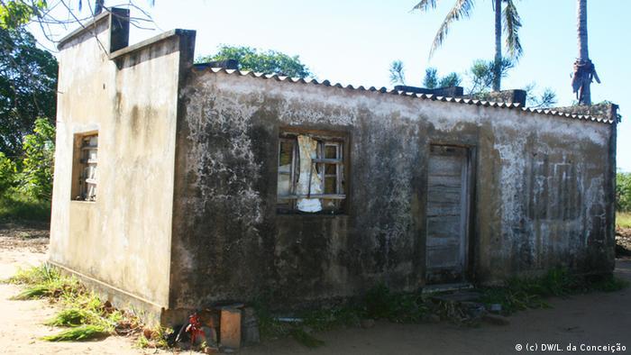 Verlassenes Haus in der Ortschaft Pembe, Distrikt Homoine, Provinz Inhambane, Mosambik